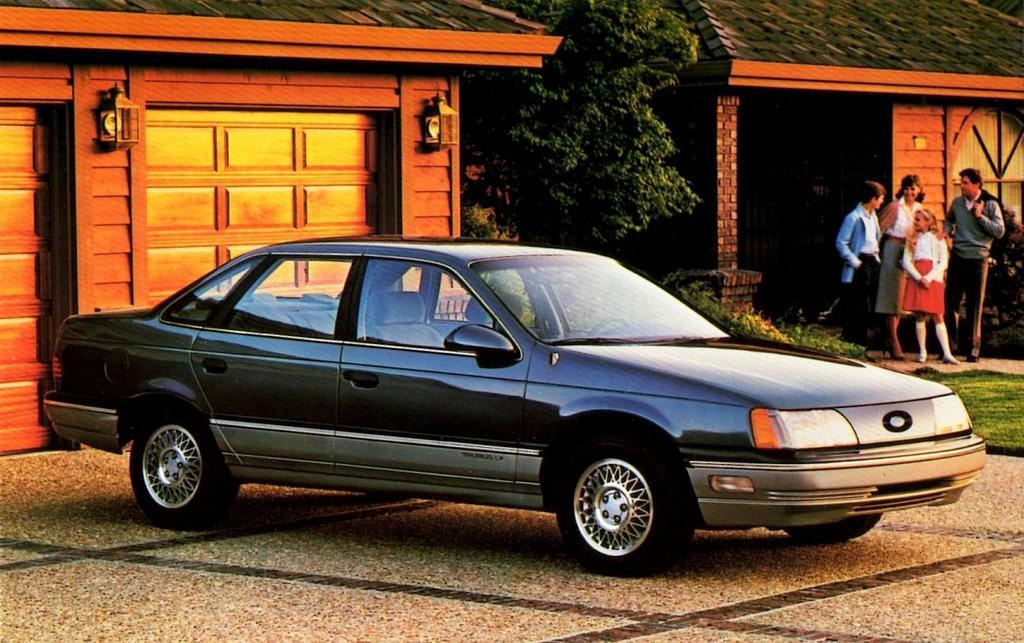 1986_Ford_Taurus