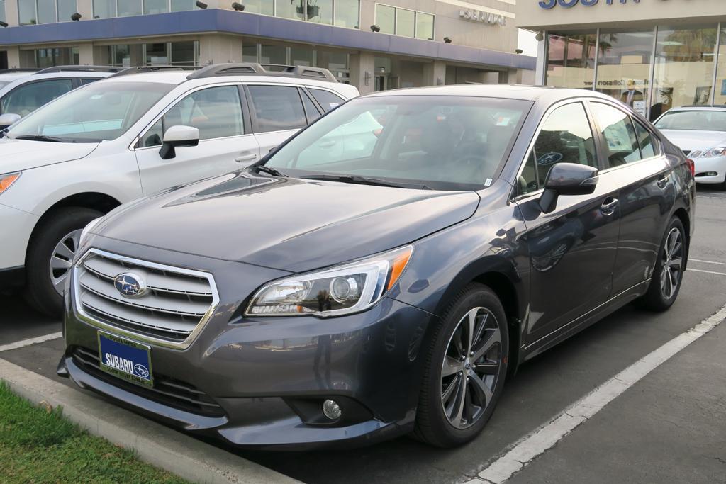 2015_Subaru_Legacy_3.6R_8