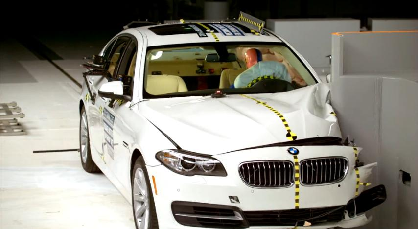 BMW_5_IIHS_SmallOverlap_2